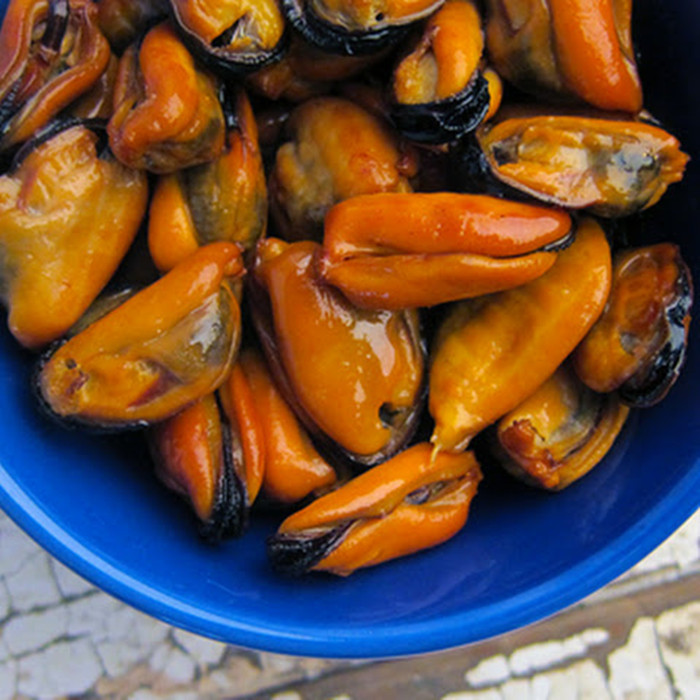 canned delicious mussels