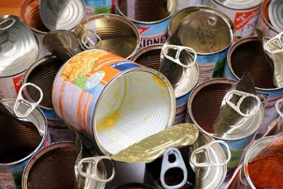 Canned food containing preservatives is a misunderstanding?
