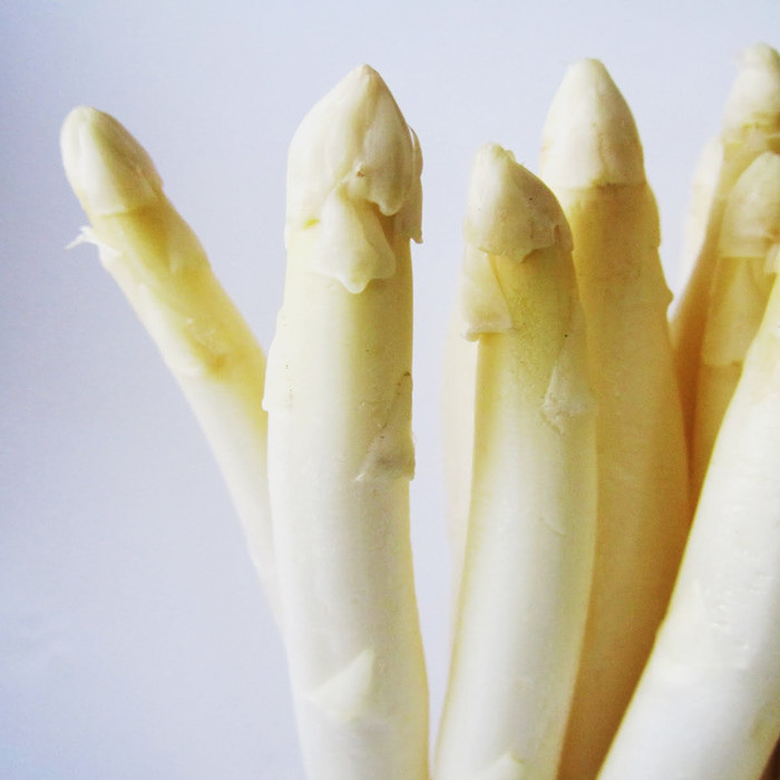 white asparagus in bottle